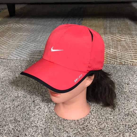 887390a1e80 M 5b4ea8cb2aa96aec6e93950c. Other Accessories you may like. Nike Golf Hat